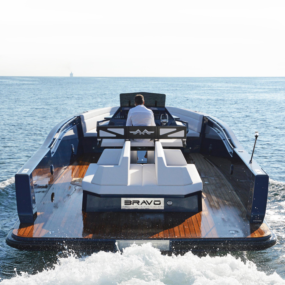 maori-yacht37-03