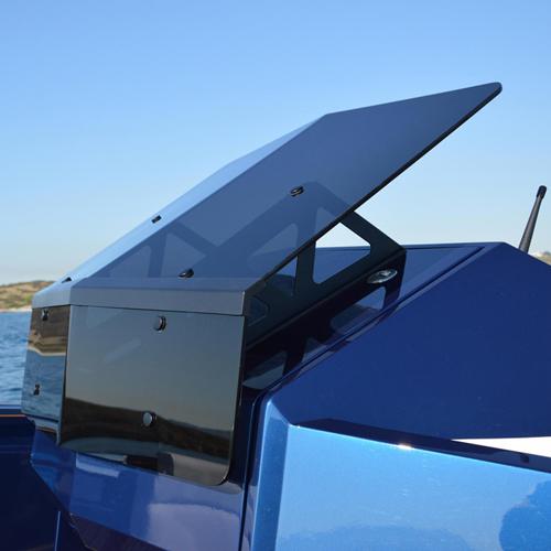maori-yacht37-02a